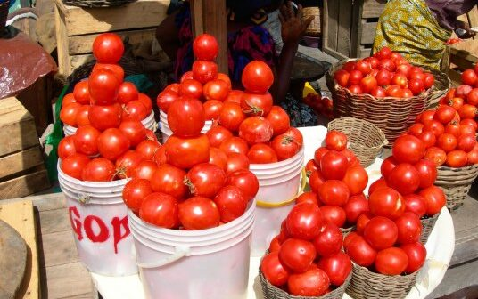 Tomato traders and transporters call off strike